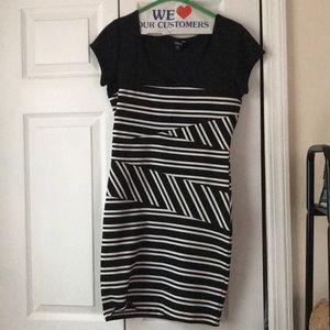 Guess Black and white midi dress